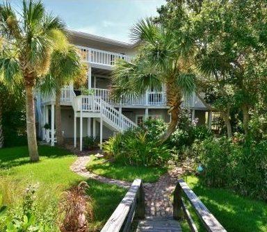835 Drum Ave New Smyrna Beach, FL 32169
