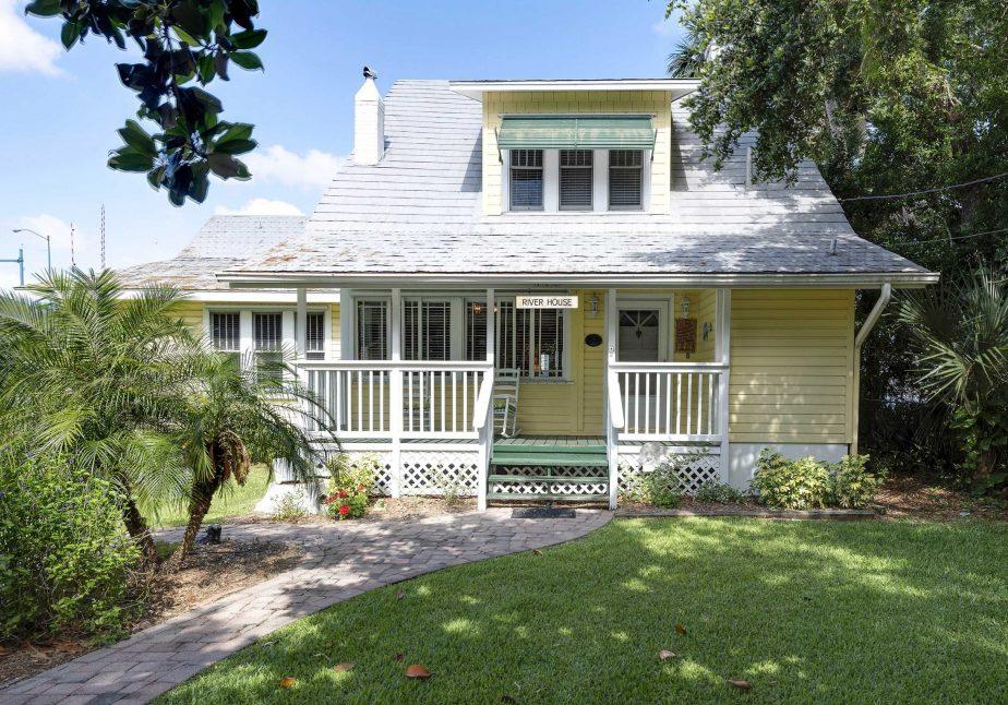 110 Florida Ave – (6)